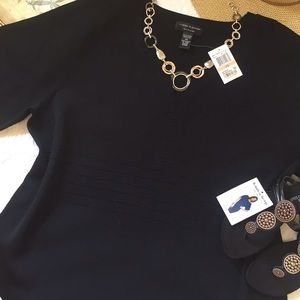 NWT Cable and Gauge Black Top